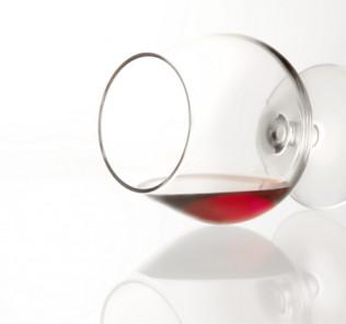 glass-of-wine-1326788-639x424