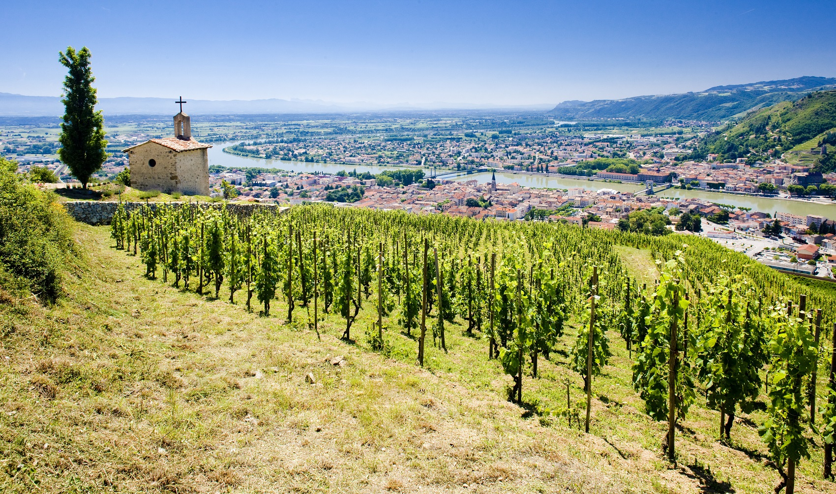 grand cru vineyard and Chapel of St. Christopher, L´Hermitage, Rhône-Alpes, France - by Richard Semik - Article by winegeographic.com