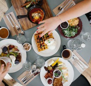 brunch table, Thanksgiving brunch
