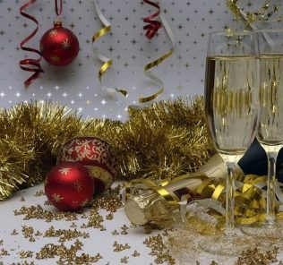 Christmas wines by Mario Luna